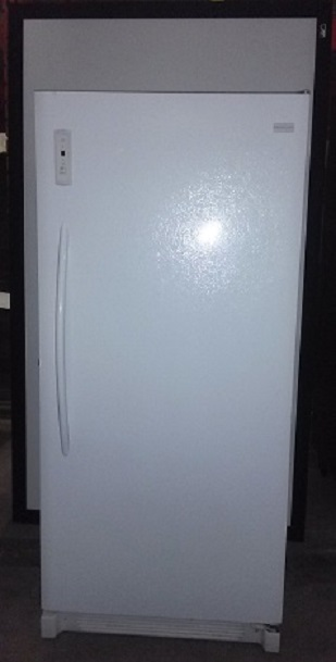 FRIGIDAIRE Refrigerator, Swing Door, 33Wx32Dx71H, White