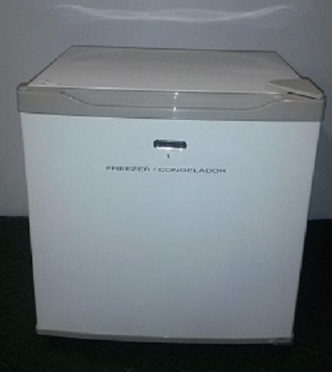 HAIER Mini Freezer, Swing Door, 20Wx20Dx20H, White