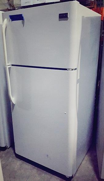 FRIGIDAIRE Refrigerator, 32Dx34Wx65.5H, White
