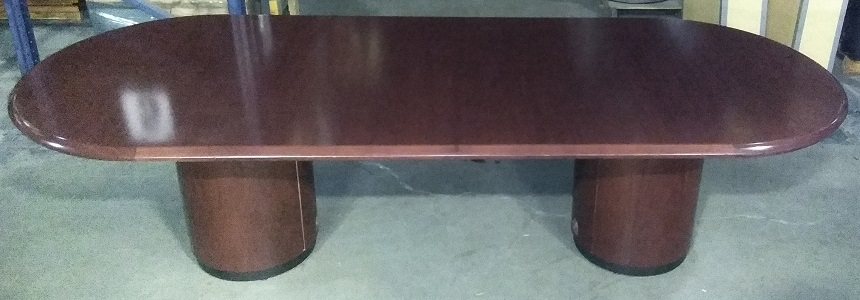 RACETRACK SHAPED CONFERENCE TABLE