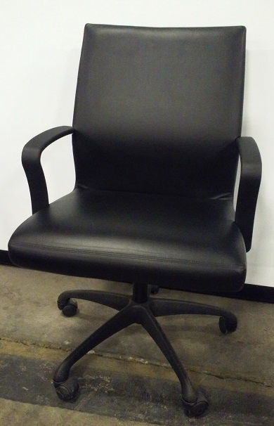 Brayton, Chord, mid-back conference chair, blk base, urethane arms, blk leather