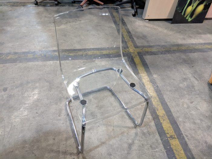 CLEAR PLASTIC SIDE CHAIR