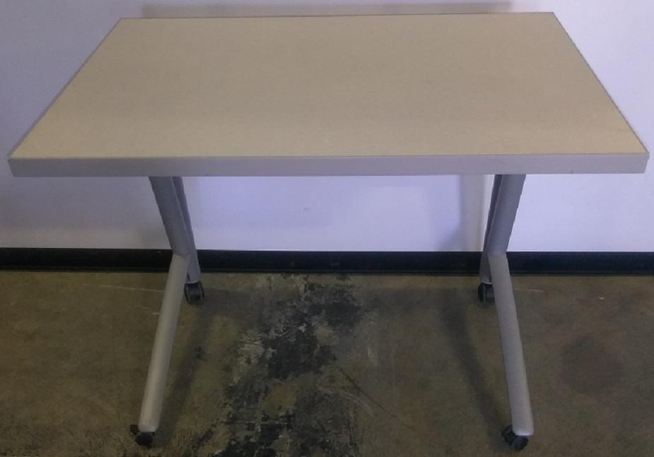 KNOLL RECTANGULAR TABLE
