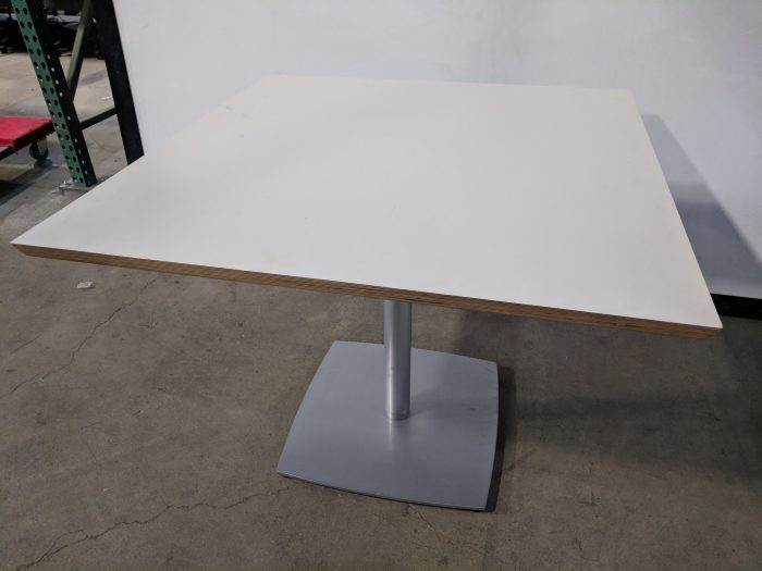 CONFERENCE/CAFE TABLE