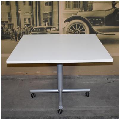 MOBILE TILT UP TABLE