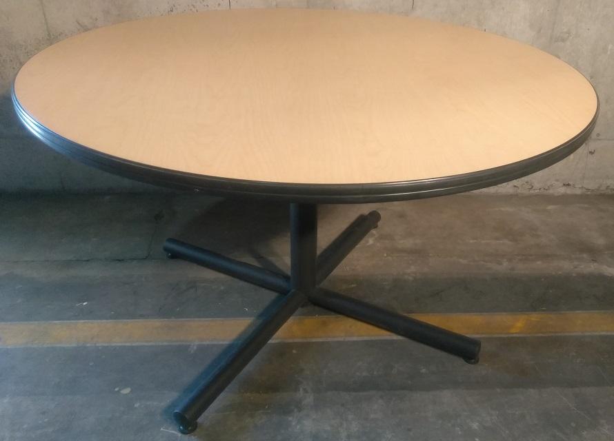 VECTA LAMINATE ROUND TABLE