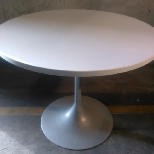 DESKMAKER LAMINATE ROUND TABLE