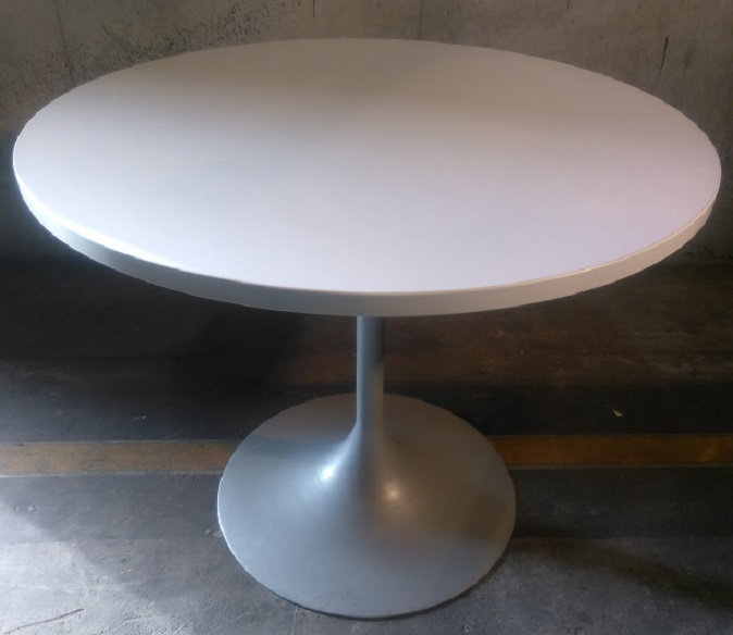 DESKMAKER LAMINATE ROUND TABLE