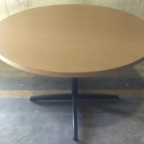 LAMINATE ROUND TABLE