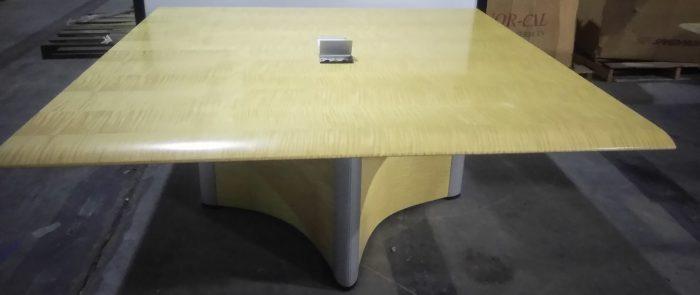 NIENKAMPER CONFERENCE TABLE