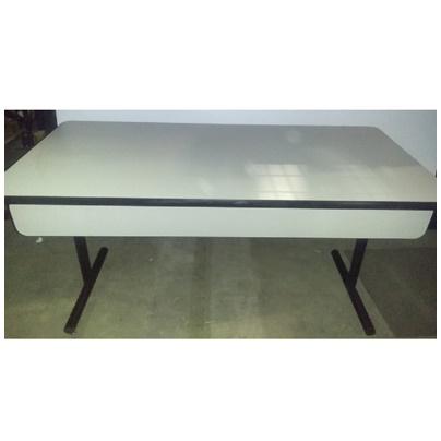 KI FOLDING TABLE W/MODESTY PANEL