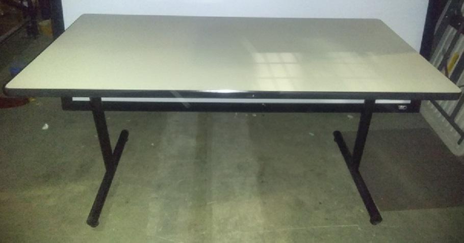 FOLDING T-LEG TABLES