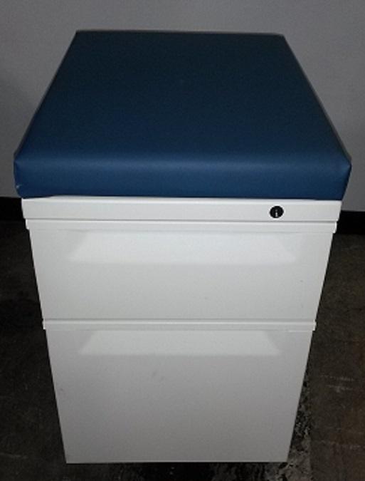 HERMAN MILLER BOX FILE MOBILE PEDESTAL W/ CUSHION TOP