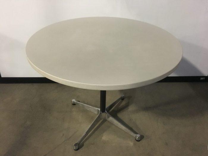 HERMAN MILLER ROUND TABLE