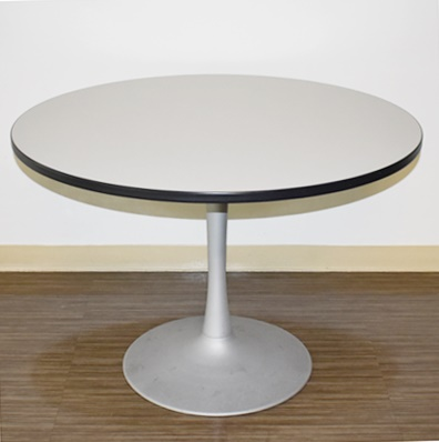ROUND BREAKROOM/CONFERENCE TABLE