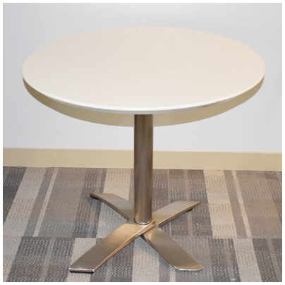 NESTABLE FLIP-TOP ROUND TABLE
