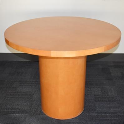 HONEY MAPLE ROUND TABLE