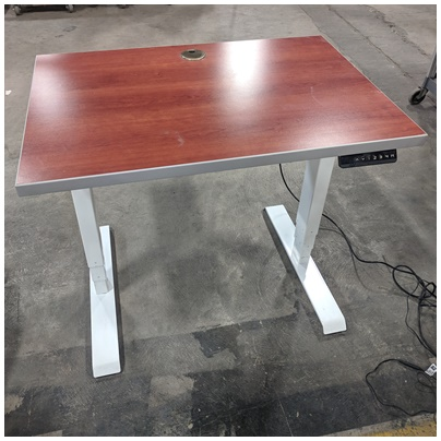 HAT CONTRACT SIT-STAND TABLE